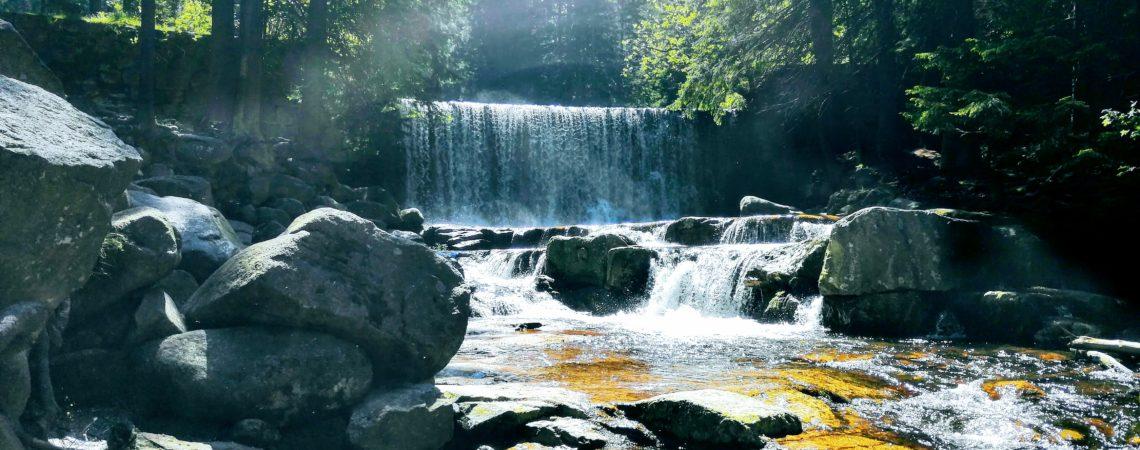 Dziki wodospad na Łomnicy w Karpaczu